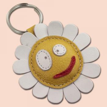 White daisy flower leather keychain - FREE Shipping Wordlwide - Handmade Leather Daisy Flower Bag Charm